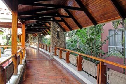 cari-2241284-doubletree-by-hilton-cariari-san-jose-costa-rica-hotel-interior-4-def