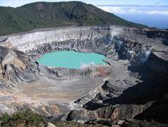poas_crater
