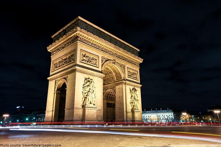 arc-de-triomphe-at-night